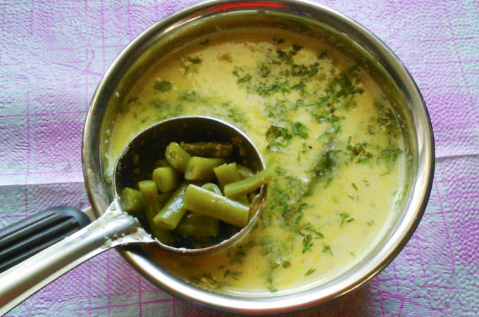Green Beans in Raw Coconut Gravy Recipe, How to make beans Hasi kayirasa Recipe