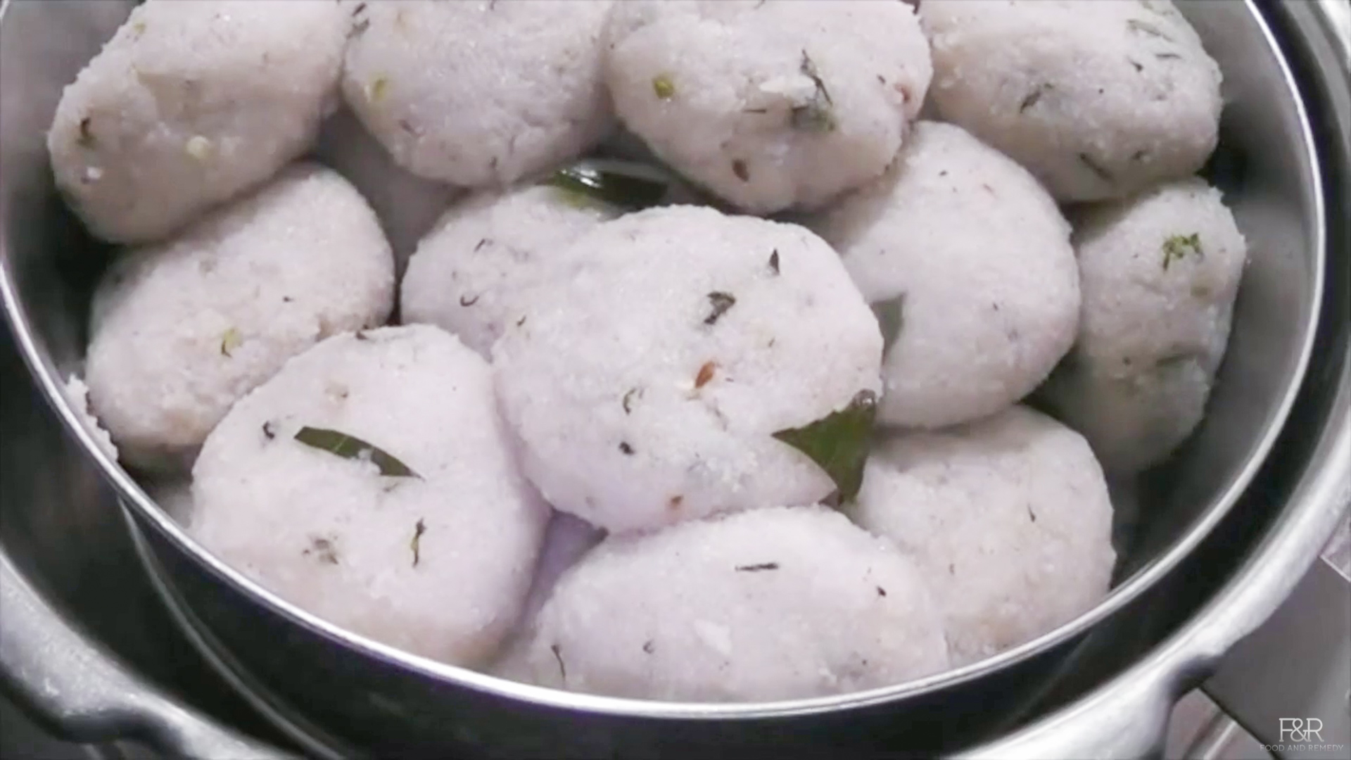 Undlige recipe akki thari kadubu recipe how to make kadubu recipes now the healthy undligekadubuunde is ready to eat enjoy this hot undlige with ghee or coconut chutney or onion sambar forumfinder Gallery