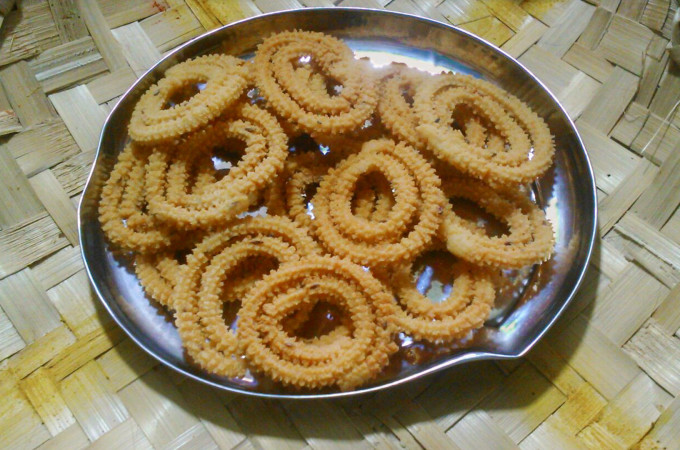 Traditional Chakli / Murukku Recipe