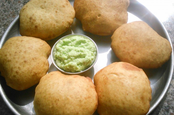 Mangalore Buns Recipe |Banana Poori Recipe