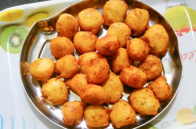 Mangalore Bonda | Mangalore Bajji | Goli Baje Recipe